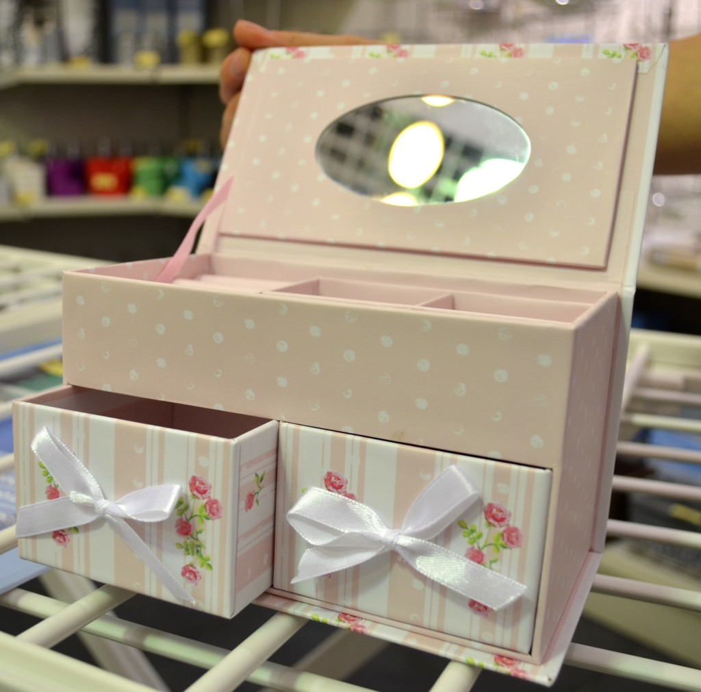 cutie-bijuterii