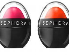 Ce produse cosmetice ar trebui să ai mereu cu tine la birou?