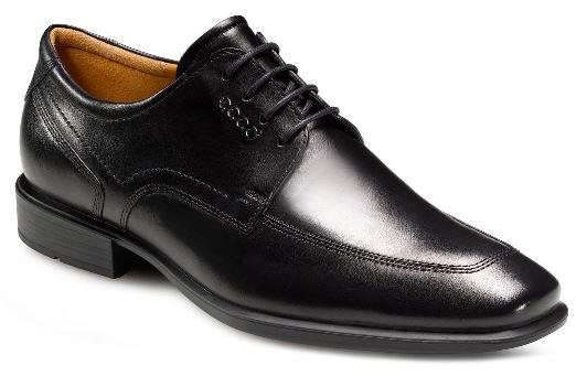 Ţinuta elegantă, alcătuită atât la bărbaţi cât şi la femei din costum bleumarin, cămaşă albă şi cravată bleumarin este completată de pantofi negri ECCO Cairo pentru bărbaţi şi ECCO Sculptured 75 pentru femei.
